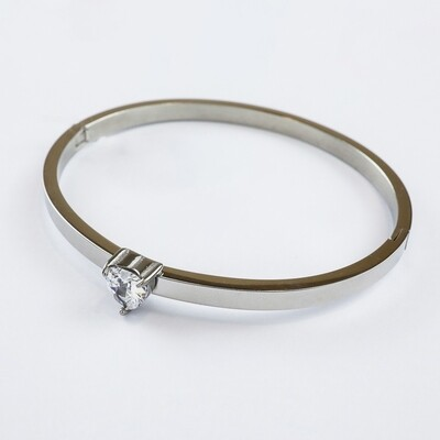 Silverland Heart Stone Stainless Steel Bangle