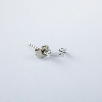 Silverland Stainless Steel White Zirconia Stone Heart Shape Earring