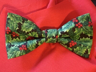 Holly Berry Bow Tie