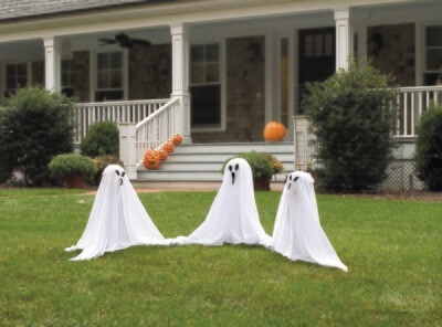 Ghostly Group Lawn Decor