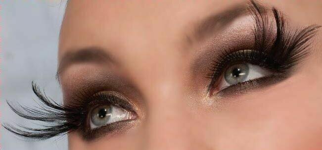 Cleopatra/Black Eyelashes