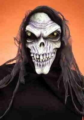 Hooked Corpse Skull Mask