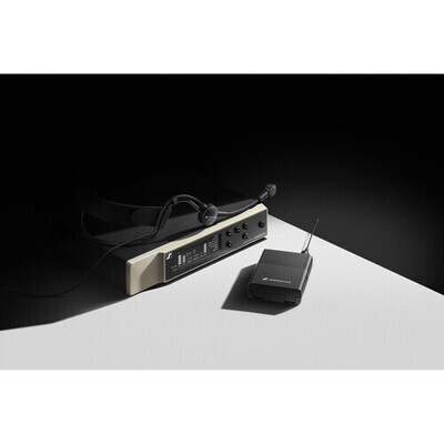 Sennheiser EW-D ME3 SET Digital Wireless Cardioid Headset Microphone System (Q1-6: 470 to 526 MHz) #SEEWDME3Q16 MFR #EW-D ME3 SET (Q1-6)