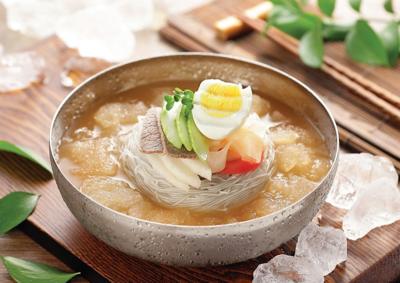 Mool Naeng Myun (물냉면)