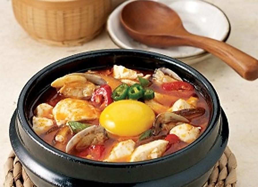 Seafood Soon Tofu Jeegae (해물순두부찌개)