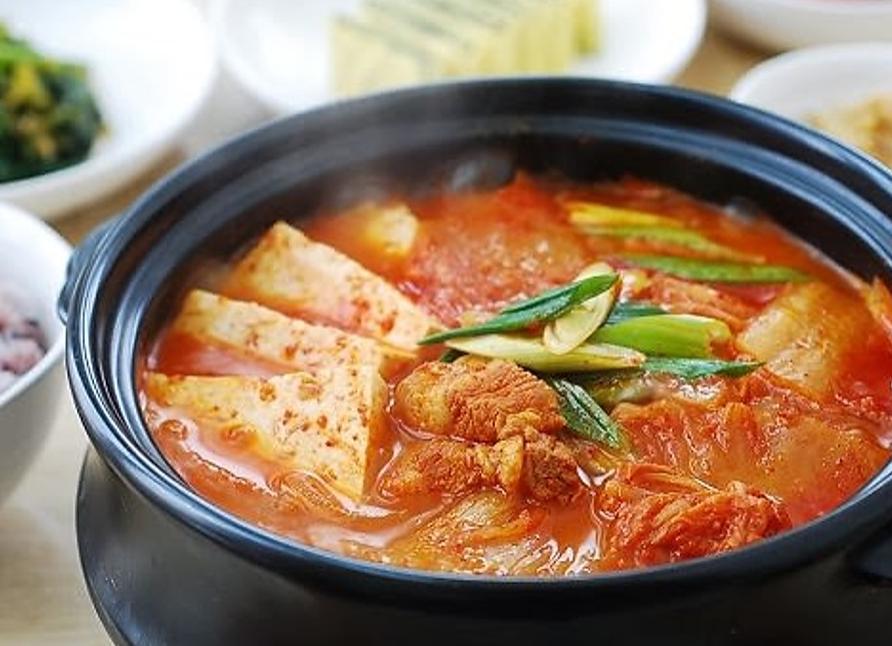 Kimchi Jeegae (김치찌개)