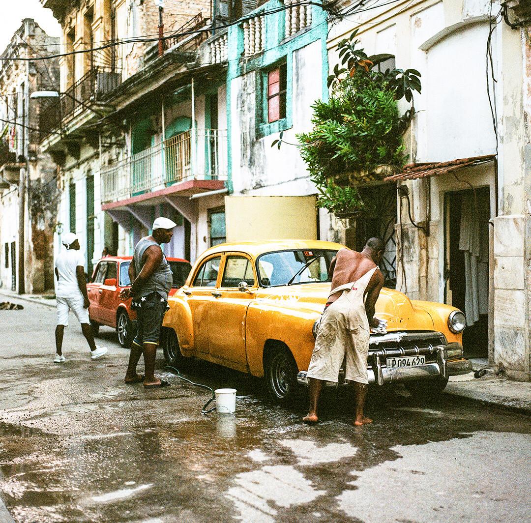 CALLE DE LA HAVANA VIEJA   CUBA