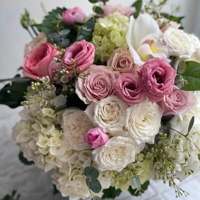 Blush Flower Arrangement (Large)