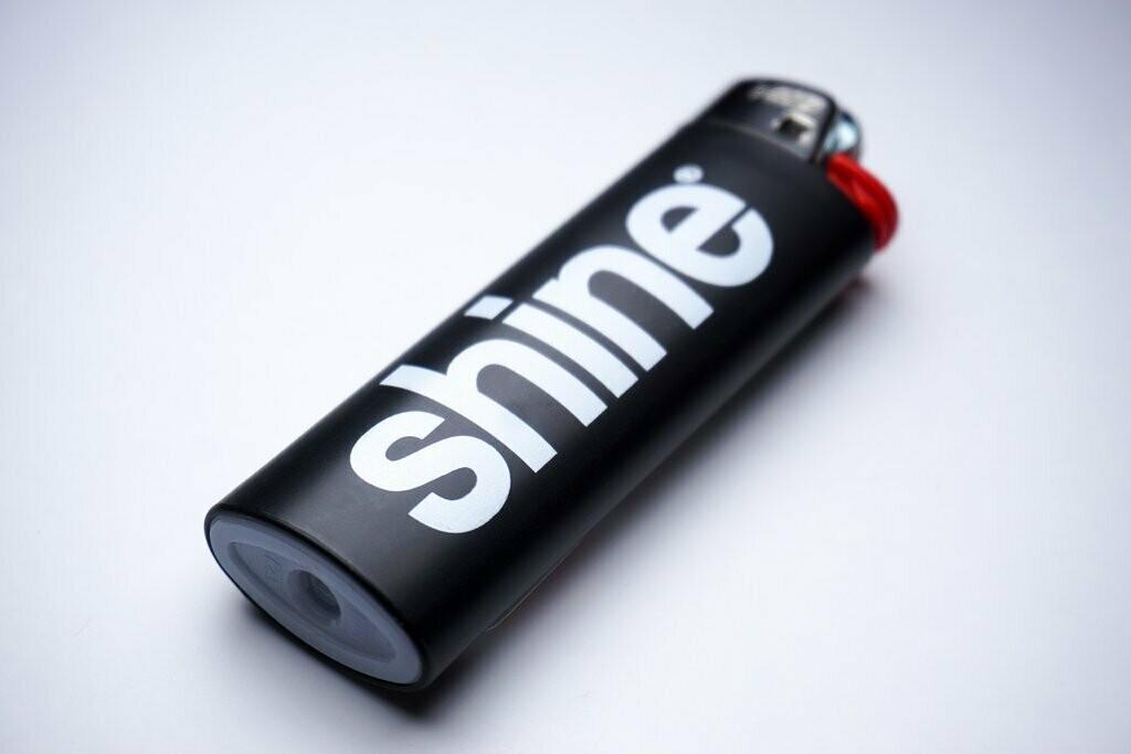 Shine® Bic Lighter
