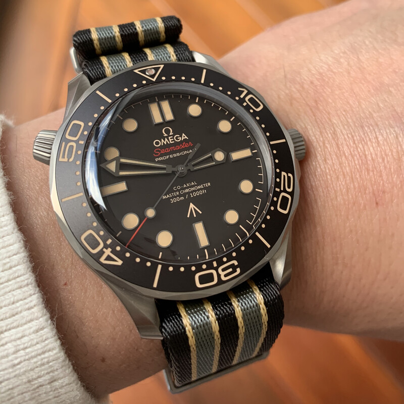RELOJ SEAMASTER DIVER 300M OMEGA CO-AXIAL MASTER CHRONOMETER 42 MM JAMES BOND