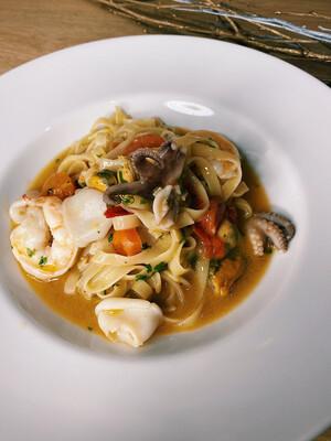 Паста з морепродуктами 300
