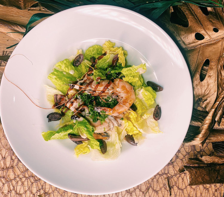 Зелений салат з соте морепродуктів 300 г