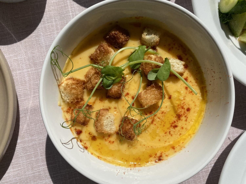 Картопляно-сирний крем-суп з сухариками