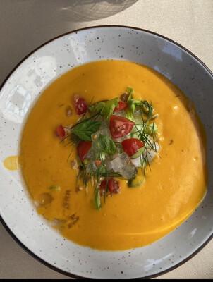 Холодний томатний суп з креветками