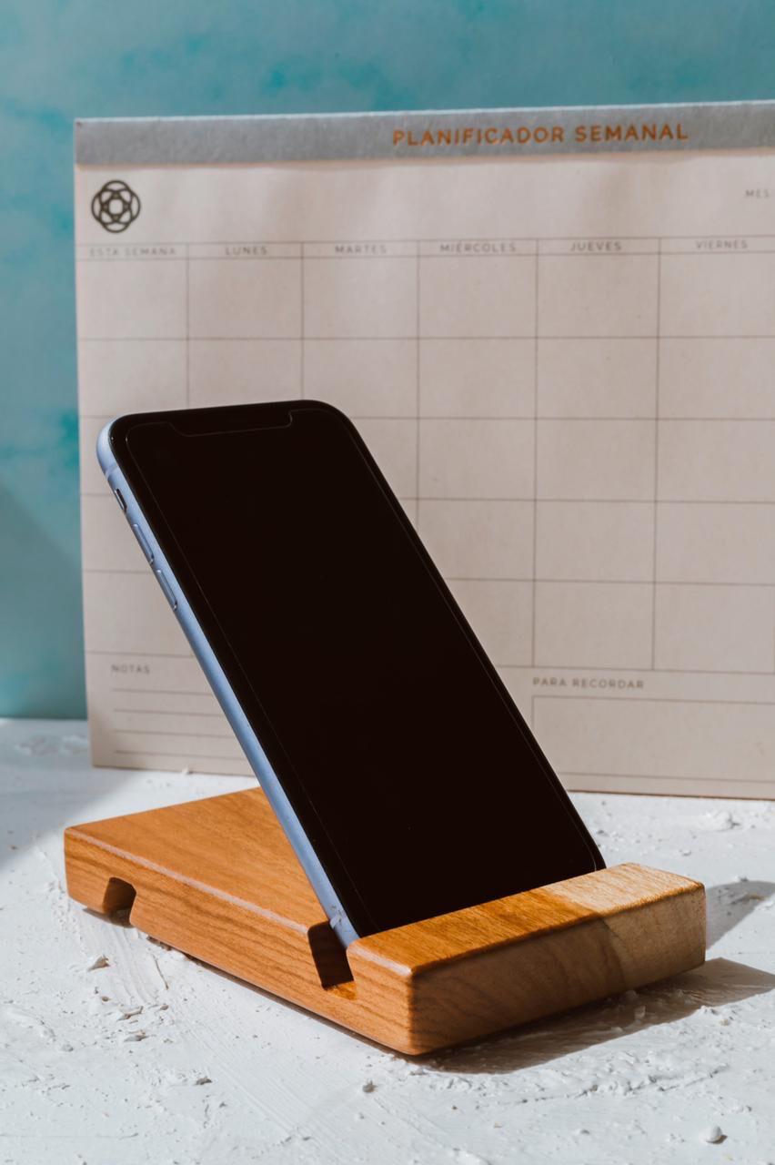 Porta-celular de madera
