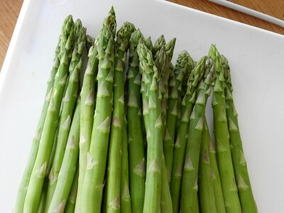 Asparagus 'Jersey Knight' | Crowns