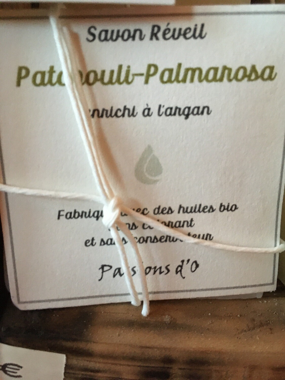 Savon solide parfumé patchouli palmarosa