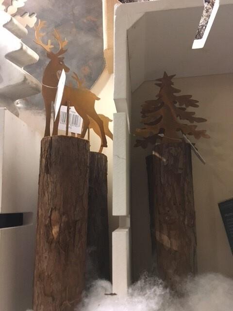 arbre ou cerf métal sur pied bois