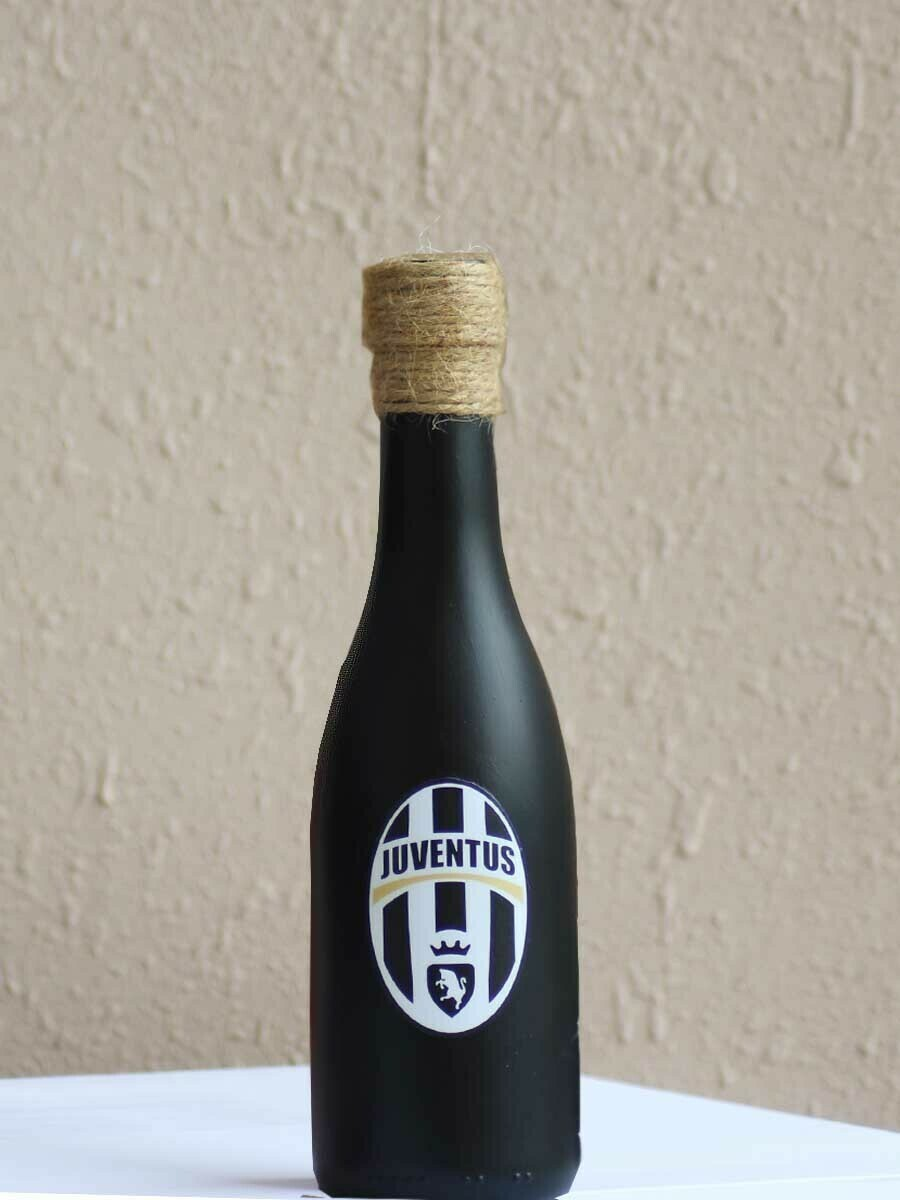 Handpainted Juventus Bottle