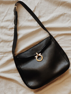 Handbag Ferragamo Single Strap Black Leather