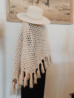 Woman Shawl Knit Off White Vintage