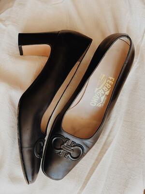Women Ferragamo 7 Vintage Black