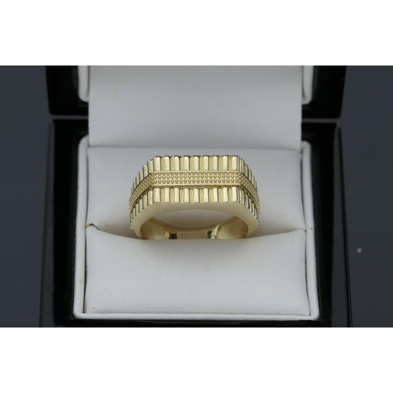 10 Karat Gold Textured Ring S: 10.5 W: 5.1 ~