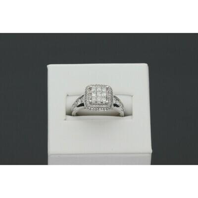 10 karat White Gold 1.00 ctw Diamond Fancy Ring S: 7 W:3.8g ~