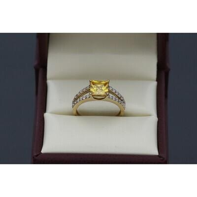 10 karat Gold & Zirconium Yellow Stone Ring