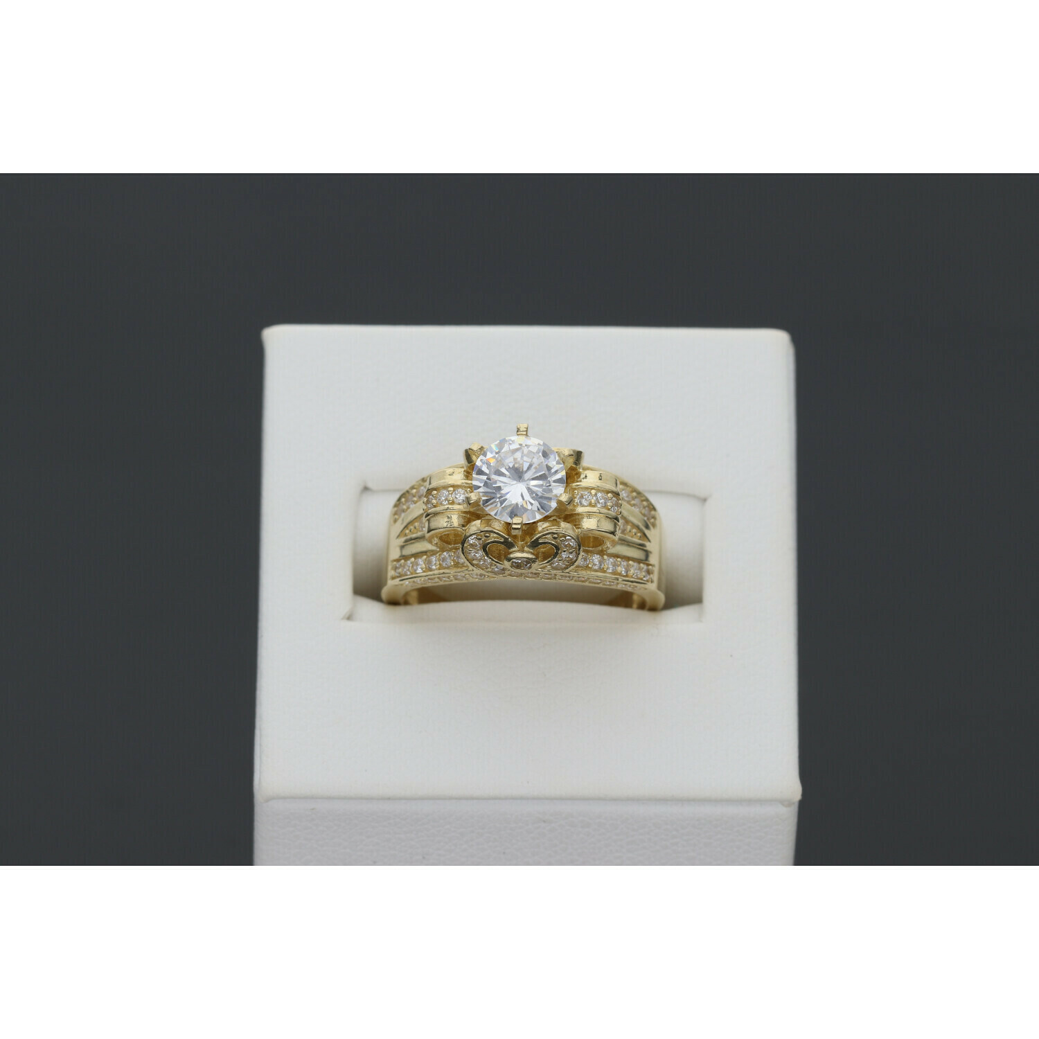 10 karat Gold & Zirconium Princess Ring