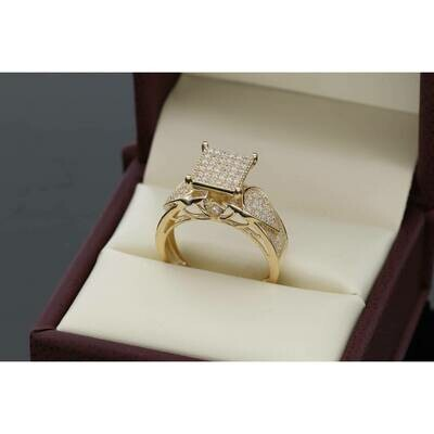 14 karat Gold & Cz Square Drop Princess Ring Size 7 W:4.2