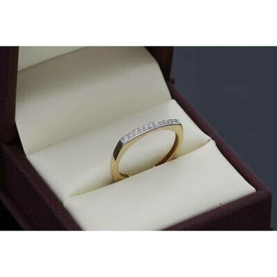 14 Karat Gold & Cz Eleven Stone Plain Ring S: 7.5 W: 2.0gr~
