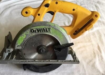 """DEWALT 18V 6-1/2"""" Cordless Circular Saw (Tool Only)"""