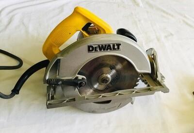 """DEWALT 7-1/4"""" Circular Saw"""