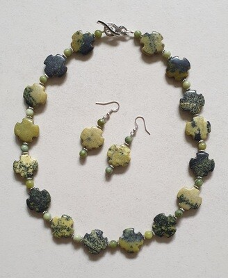 Serpentine gemstone necklace and earrings