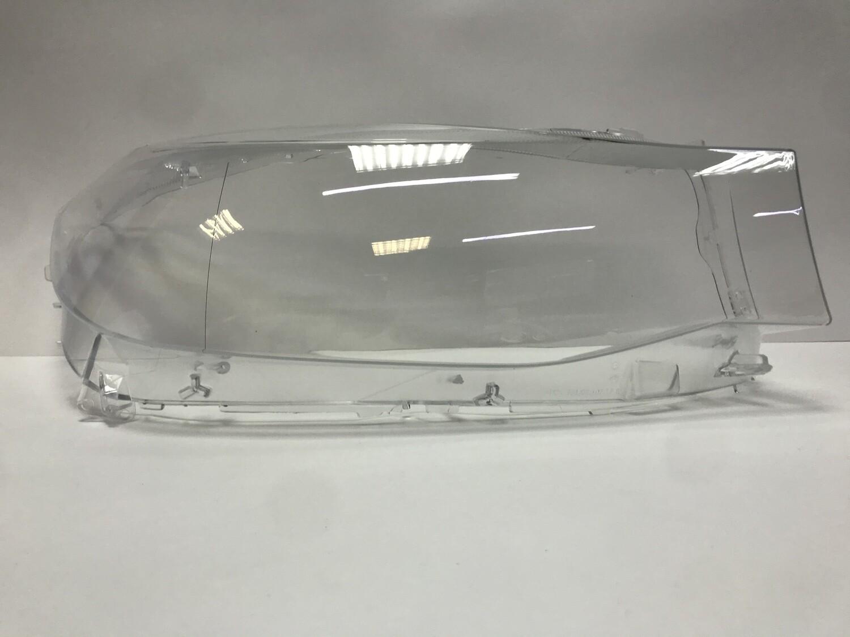 Правое стекло фары на BMW 3 series GT F34 (2011-2016)