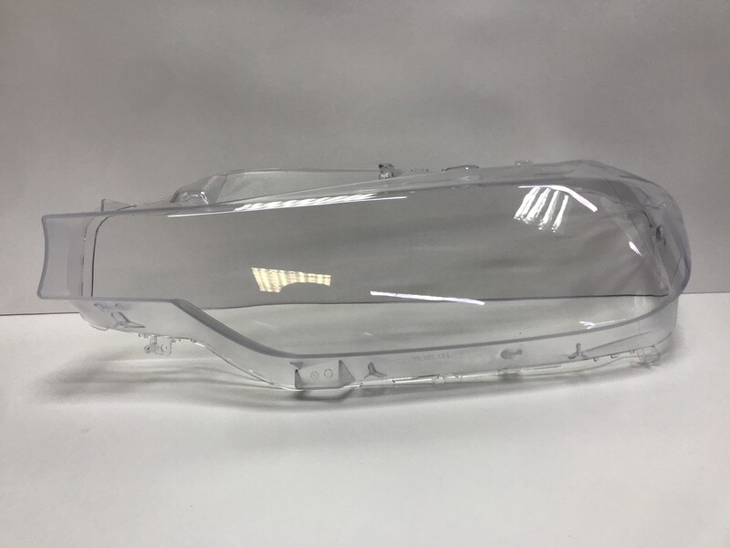 Левое стекло фары на BMW 3 series F30 (2012-2015)