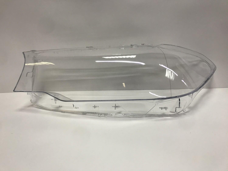 Левое стекло фары на BMW 5 series G30 (2017-2020)