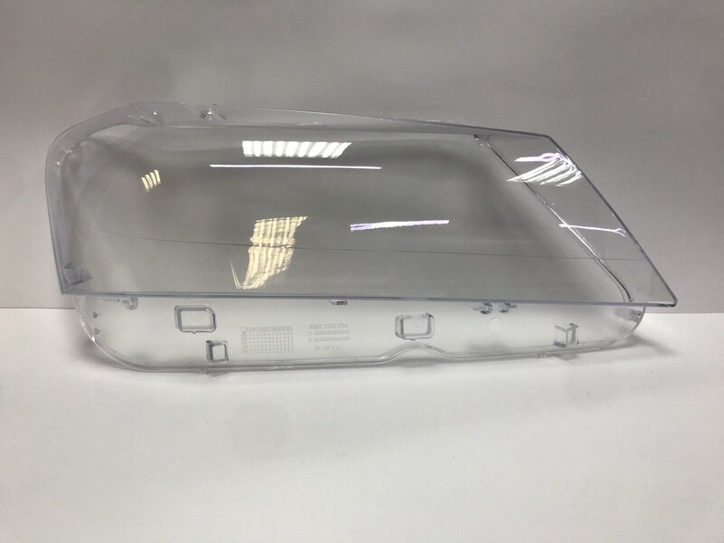 Правое стекло фары на BMW X3 F25 (2010-2014)