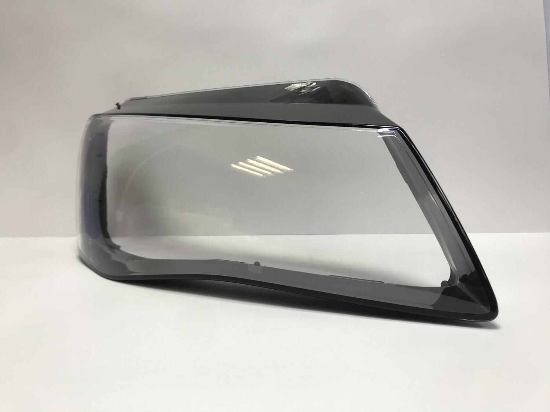 Правое стекло фары на AUDI A8 D4 4H дорестайлинг (2009-2013)