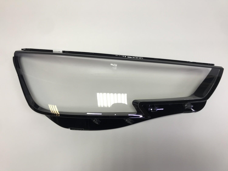 Правое стекло фары на AUDI A4 B9 (2015-2018)