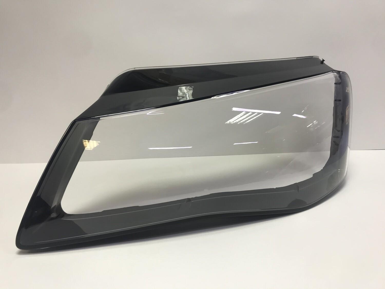 Левое стекло фары на AUDI A8 D4 4H дорестайлинг (2009-2013)