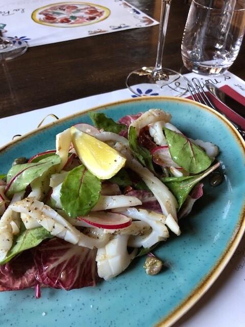 Grilled calamari w/radicchio salad