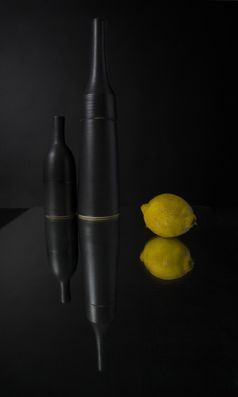 Bouteilles noires et citron