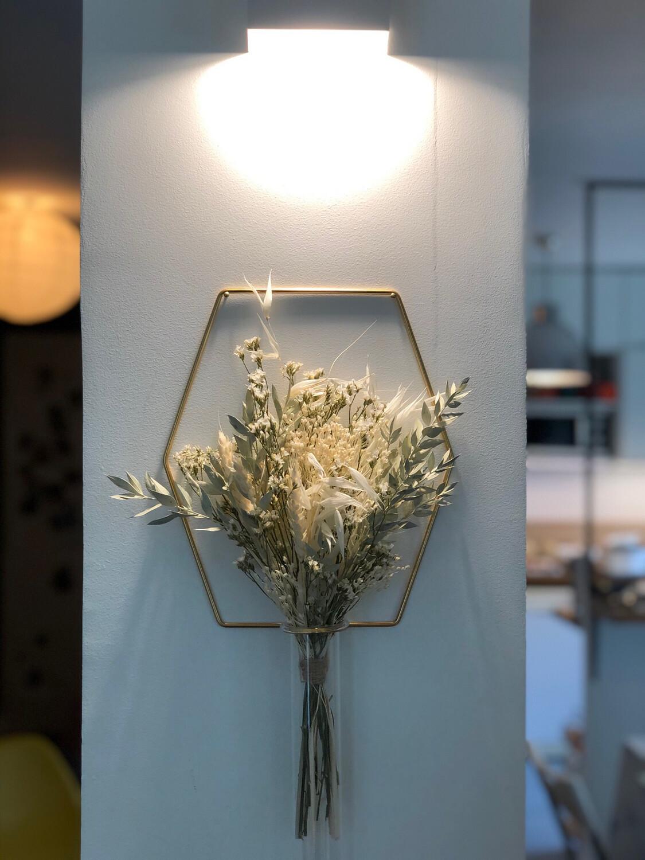 Le bouquet «vert d'eau» suspendu