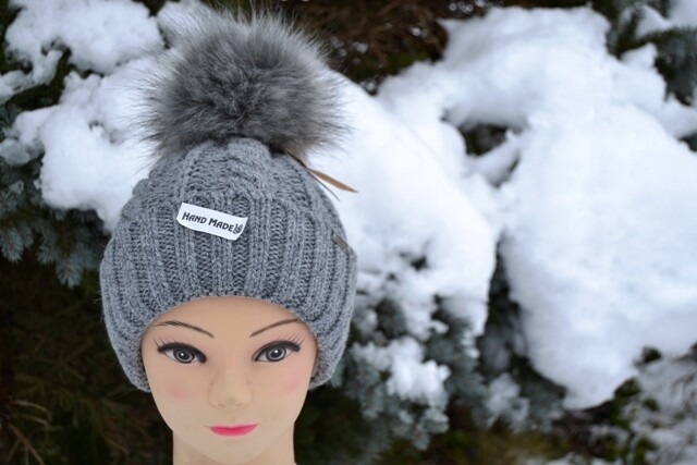Woll-Mütze mit Fellbommel (Webpelz) mit Alpakawolle, grau