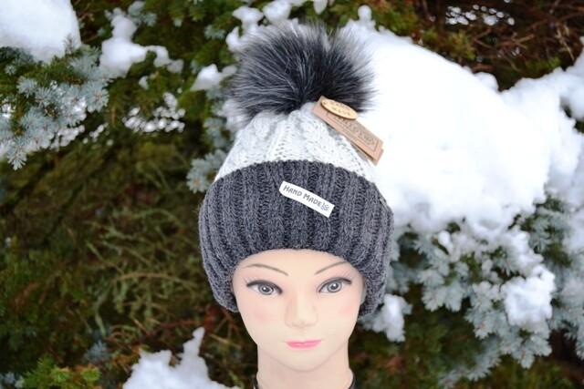 Woll-Mütze mit Fellbommel (Webpelz) mit Alpakawolle, grau anthrazit