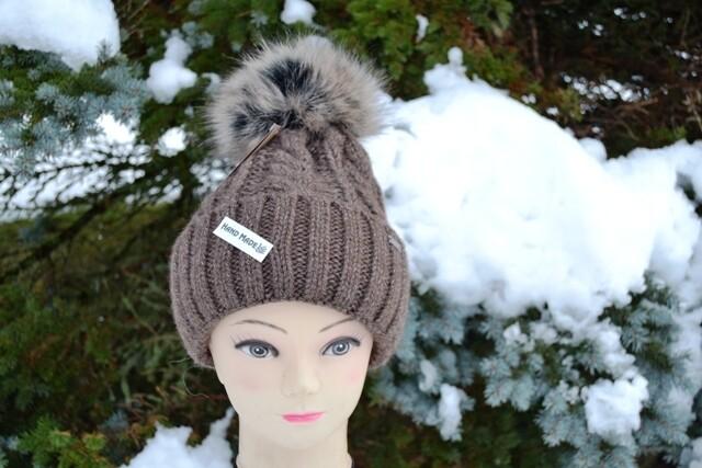 Woll-Mütze mit Fellbommel (Webpelz) mit Alpakawolle, braun
