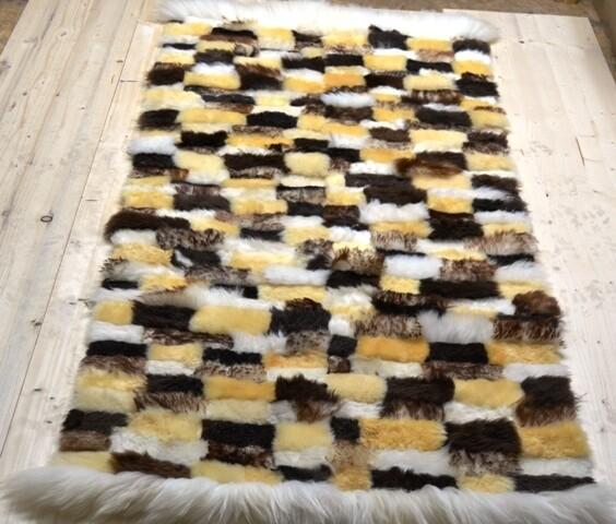 Lammfell-Teppich, Patchwork-Qualität, ca. 170x80 cm, gelb/schwarz/braun/weiß Nr. 2
