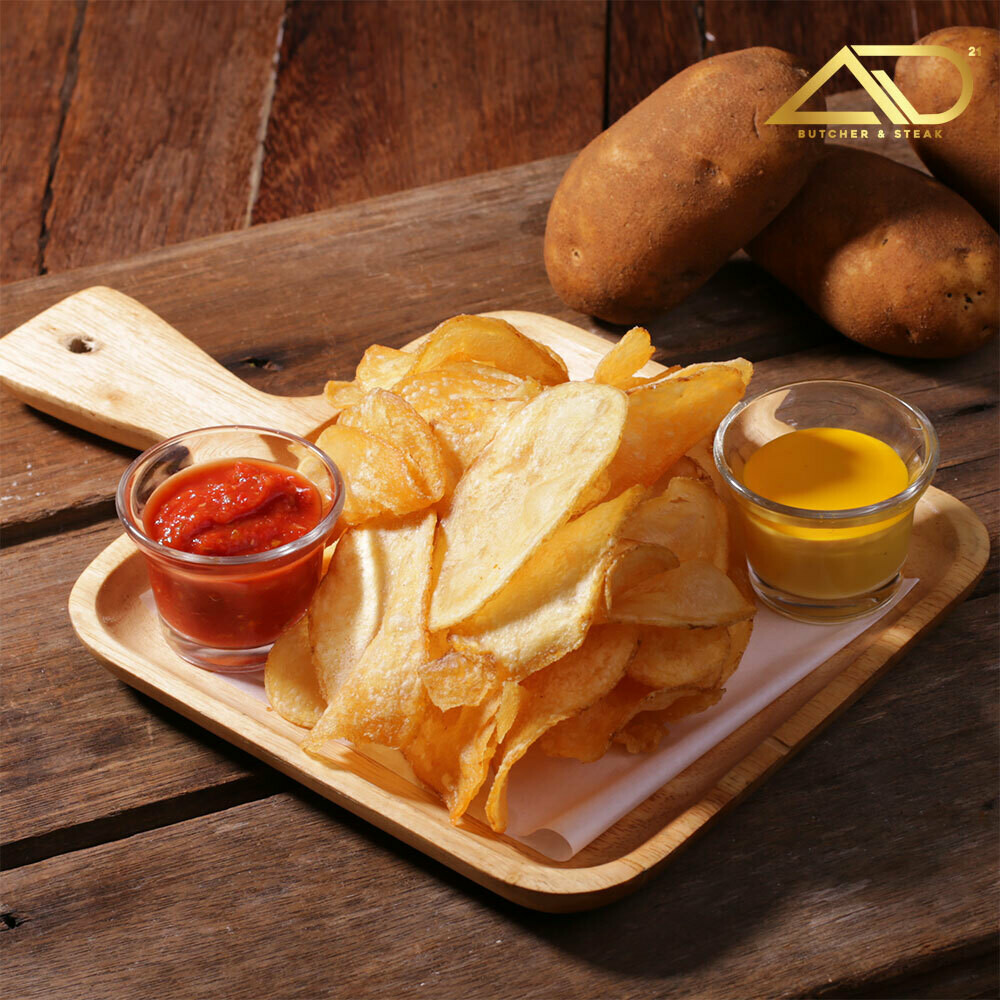 Flat Chips with Cheesy Sauce
